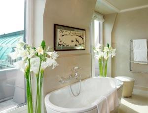Badezimmer - Bathroom Top Floors 1_red